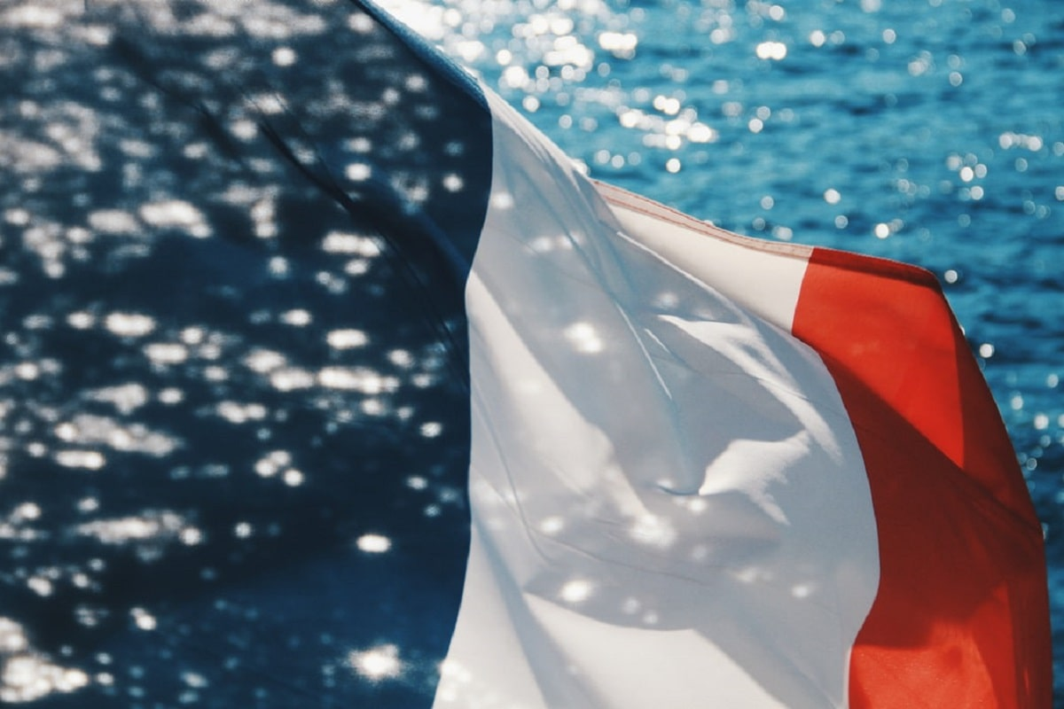フランス語資格はDELF・DALF /フランス語検定のどちらが有利か【比較】