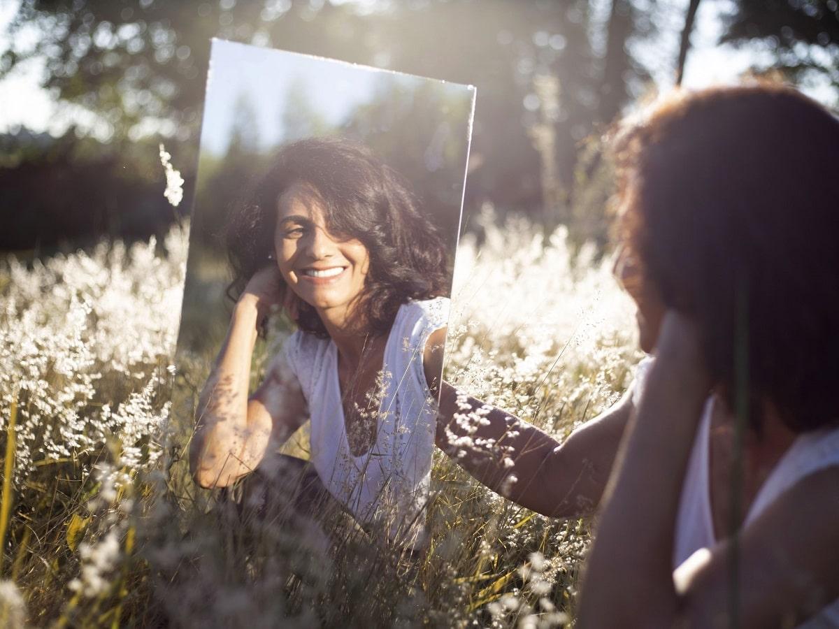 女性の年齢が出る5つのパーツを要チェック/年齢を越えた美しさを保つ方法